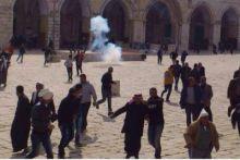 اصابات في مواجهات في المسجد الاقصى عقب صلاة الجمعة