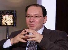 وائل قنديل:  السيسي يلهو بلعبة مبارك