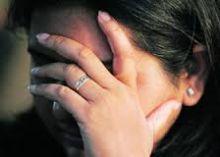 فتاتان تمارسان الجنس مع اخرين وتتهمان والدهما باغتصابهما