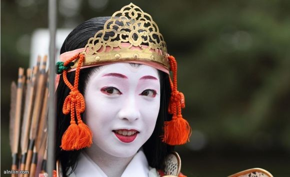 صورة لراقصة في مهرجان الساموراي المحارب - كيوتو - اليابان