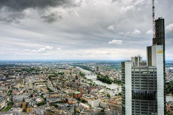 المانيا وجمال الطبيعه والجو والمباني الشاهقه بها