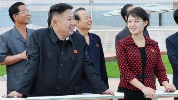 زعيم كوريا الشمالية كيم جونغ-اون وزوجته