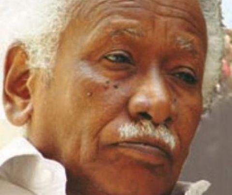"""الرفاق يدفعون بمسؤول المزارعين خلفاً لـ""""نقد""""... (محمد مختار) سكرتيراً سياسياً للحزب الشيوعي السوداني"""