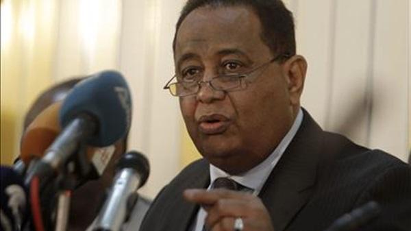غندور: وفد الحكومة للمفاوضات يدخل الجولة السابعة بعزيمة من اجل الوصول إلى اتفاق