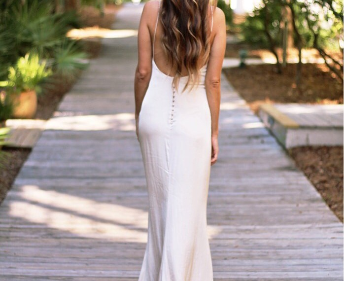 Low back gown via A Lo Profile