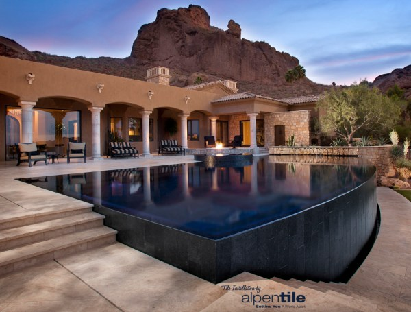 Perimeter Overflow Pool / Spa