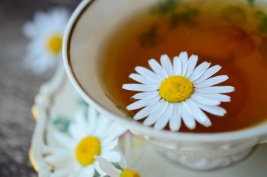 chamomile-tea-829487_1280 from Pixabay