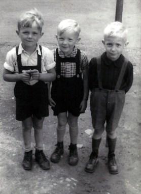 Die Drei von der Tankstelle - 1945 v.l.n.r. Prof. Dr. Walter Kröll, Manni Rams, Jo Reuschenbach