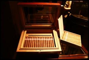 smoking-886540_1920