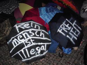 Umbrellas with a political message (Photo: Dirk Stegemann)