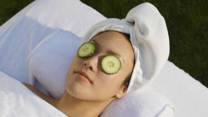 terapi cara menghilangkan mata panda dengan mentimun
