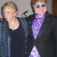 """ULTIMATE ELTON"" PAUL BACON PERFORMS FOR SIR ELTON'S MOTHER'S 90TH BIRTHDAY"