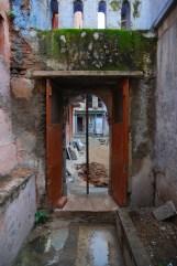 ind_door1