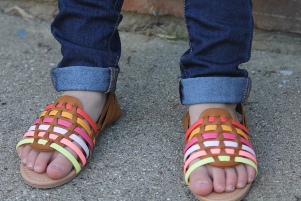 crazy8 sandals with jeggings