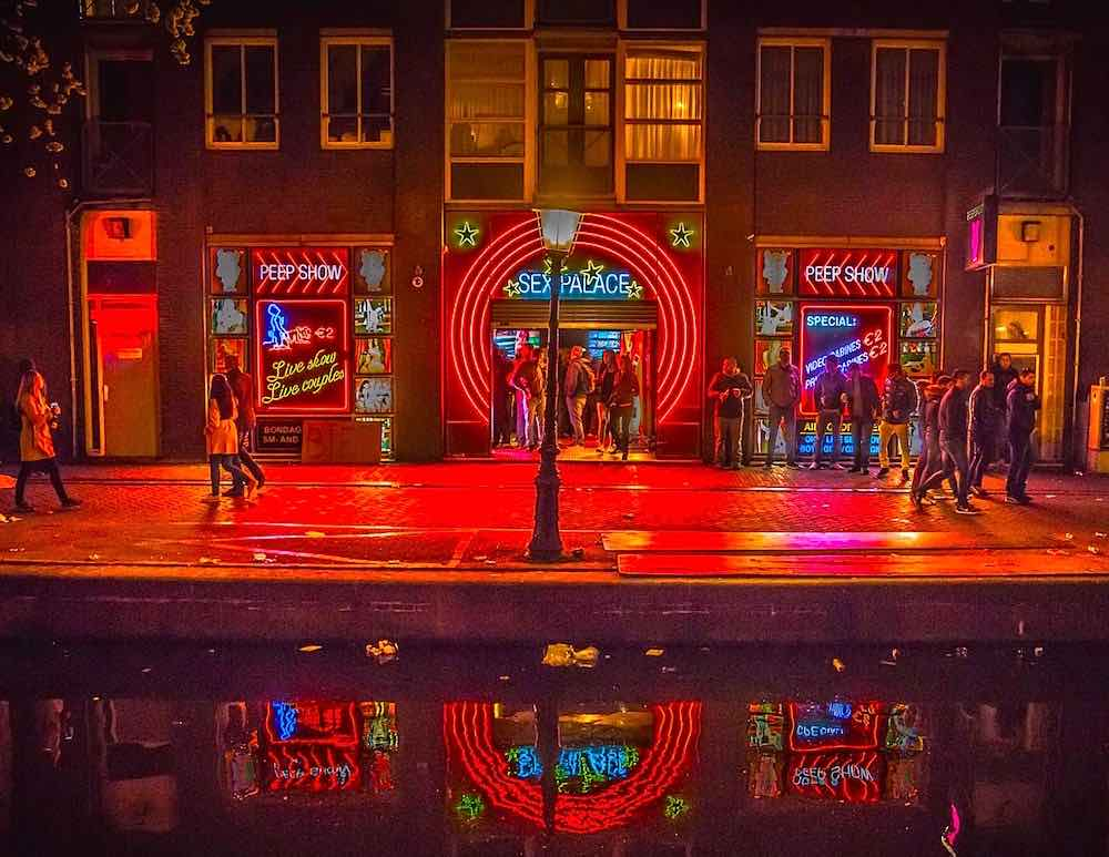 sex themed hotels in amsterdam