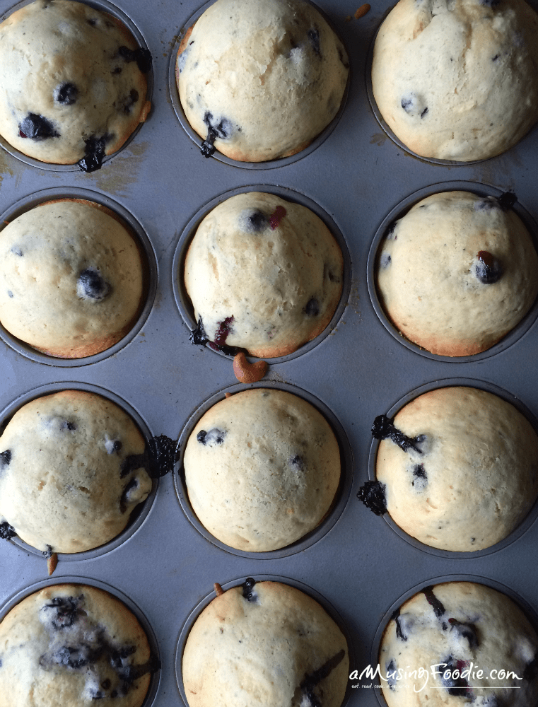 crunchy cool yum and blueberry muffins a musing foodie. Black Bedroom Furniture Sets. Home Design Ideas