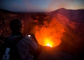 Laguna de lava volcánica deslumbra a turistas en Nicaragua