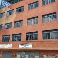 Dos personas murieron aldesprenderse pared del Colegio Cecilio Acosta