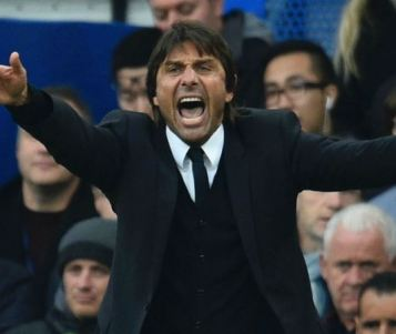 Antonio Conte niega haber humillado a Mourinho