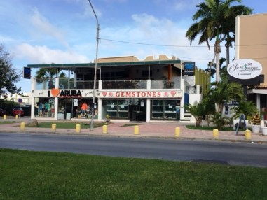 Alquilan local restaurante en Aruba