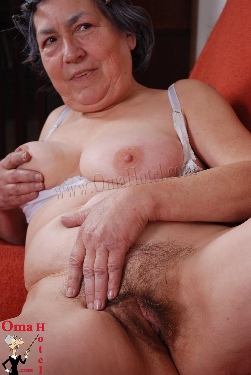 grannies nude free downloads