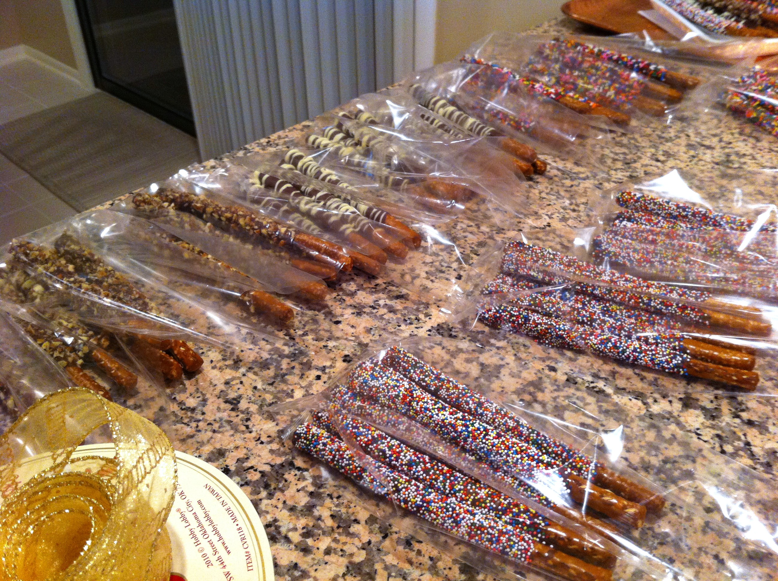 Recipe: Chocolate Covered Pretzels