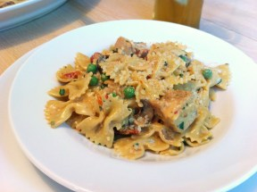Chicken and Farfalle Pasta in a Roasted Garlic Cream Sauce plated 288x215 Chicken and Farfalle Pasta in a Roasted Garlic Cream Sauce