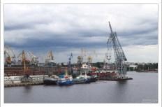 Морской порт Санкт-Петербурга является одним из крупнейших портов России на Балтийском море.