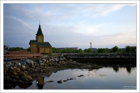 Часовня в поселке Рабочеостровск.