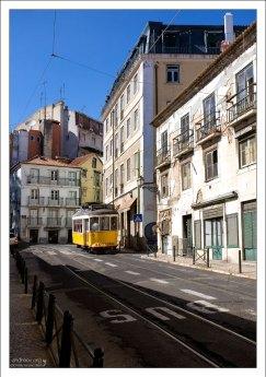 Маршрут трамвая #28 проходит через всю историческую часть города.