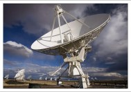 Диаметр каждой антенны составляет 25 метров.