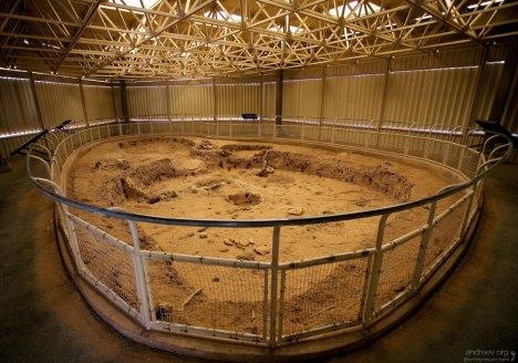 Pithouse (A.D. 575) - фундамент одного из первых домов, где жили Анасази.