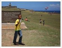 Пуэрториканский мальчик около форта Эль Морро.