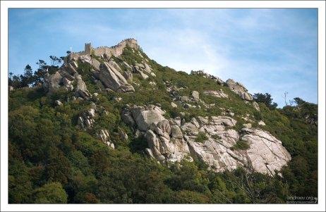 Замок мавров на холме.