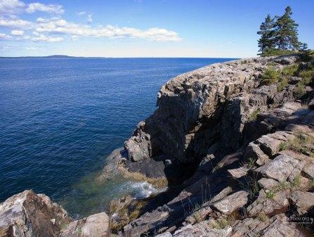 Скалистый берег в районе Thunder Hole в Acadia NP.