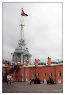 Подъем на Невскую куртину (стену) Петропавловской крепости.