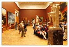 Зал, где находятся картины Айвазовского и Брюллова. Государственный Русский музей.