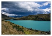 """""""Пехое"""" Озеро Pehoe расположено высоко в горах национального парка Torres del Paine. Необычный цвет воде придают растаявшие айсберги с ближайшего ледника Grey icefield. Наиболее насыщенный цвет озеро приобретает в пасмурную погоду."""