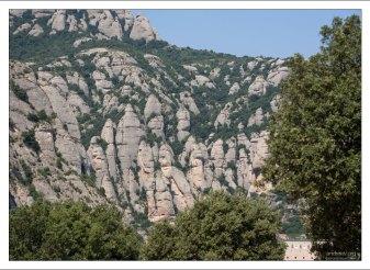 """В геологии подобные горы именуются """"останцами""""."""