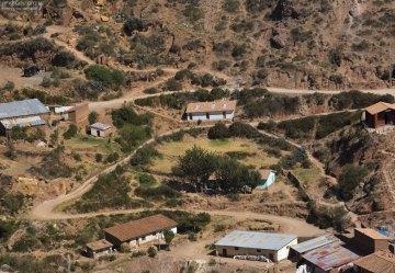 Горная дорога к соляным террасам Salinas de Maras.