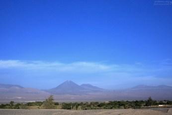 Вулкан Ликанкабур (5916 метров) на границе с Боливией.
