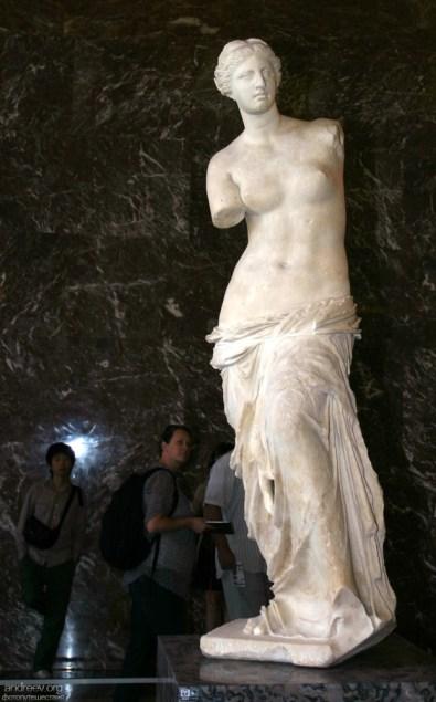 Прекрасная Венера Милосская. Лувр.