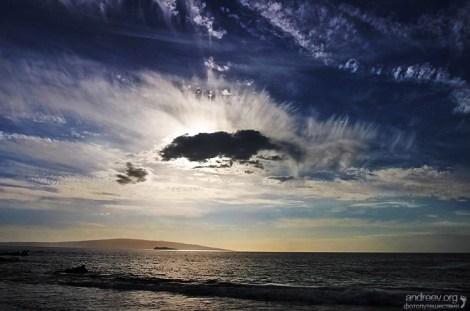 Солнечное затмение над Тихим океаном.