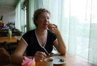"""В студенческом кафе """"Сластена"""" в 15-й общаге ПУНКа. Старый Петергоф."""