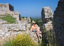 На перекрытиях французского замка Chlemoutsi.