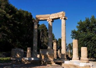 The Philippeion - храм, возведенный в честь династии македонского короля Филиппа II. Древняя Олимпия.