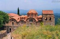 Восстановленная церковь Afentiko (14-й век). Mystras.