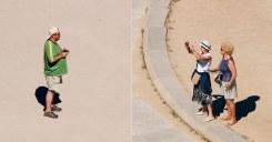 Туристы фотографируются на сцене античного театра Эпидаврос.
