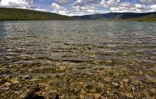 Прозрачная вода Чудо-озера.