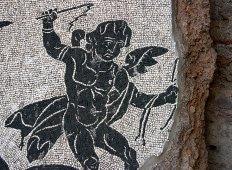 Часть сохранившейся мозаики в банях Каракала.
